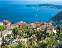 Medelhavs- kustlinje nära Nice, Frankrike arkivfoto