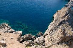 medelhavs- sikt för kust Arkivfoton