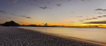 Medelhavs- soluppgång Royaltyfria Foton