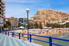 Medelhavs- strand i Alicante, Spanien Arkivfoton