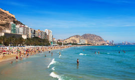 Medelhavs- strand i Alicante, Spanien Royaltyfria Bilder