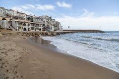 Medelhavs- strand, Roc San Gaieta, Roda de Bera, Costa Dorada, Royaltyfri Foto