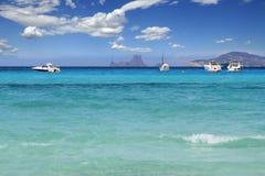 medelhavs- turkos för strandformentera illetes arkivbild