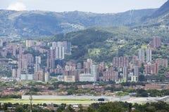 MedellÃn, Antioquia/Kolumbien - 25. August 2018 Überblick über die Stadt von Medellin stockfotografie