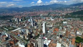Medellin, Колумбия - октябрь 2017 - воздушный город центра съемки сток-видео