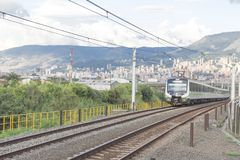Medellin, Colômbia 18 de fevereiro de 2017 Transporte público do metro na cidade imagem de stock royalty free