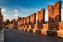 Ponte Scaligero i Verona, Italien Fotografering för Bildbyråer