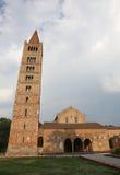 medeltida abbotskloster av Pomposa i Po-dalen av Emilia Romagna in Royaltyfri Fotografi