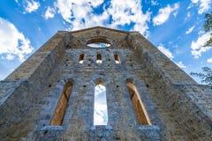 Medeltida abbotskloster av San Galgano från det 13th århundradet, nära Siena, Tus Arkivbild