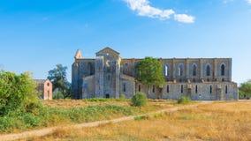 Medeltida abbotskloster av San Galgano från det 13th århundradet, nära Siena, Tus Arkivfoto
