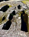 Medeltida anthropomorphic gravvalv som grävas i sten Sarmiento slott, Ribadavia, Spanien royaltyfria foton