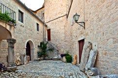 Medeltida borggård, Trogir, Kroatien arkivbilder