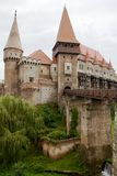 Medeltida Corvin slott, Hunedoara, Rumänien Fotografering för Bildbyråer