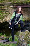 medeltida dräktkvinnabarn Royaltyfri Bild