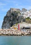 Medeltida fästning i Peschici Arkivbilder
