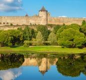 medeltida fästning Ivangorod Ryssland royaltyfri fotografi