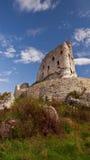 Medeltida fördärvar av den Mirow slotten, Polen Arkivbild