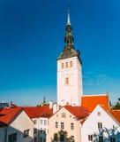 Medeltida gamlaSt Nicholas Church In Tallinn, Estland Royaltyfri Fotografi