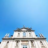 medeltida gammal arkitektur i Italien Europa milan religion a royaltyfri foto