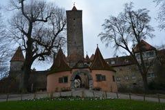 Medeltida gammal port för staden, tauber för Rothenburg obder, Tyskland royaltyfri bild