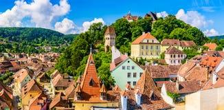 Medeltida gammal stad Sighisoara i det Mures länet, Transylvania, Rumänien royaltyfria foton