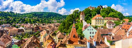 Medeltida gammal stad Sighisoara i det Mures länet, Transylvania, Rumänien royaltyfri fotografi