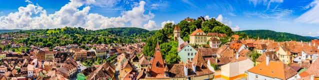 Medeltida gammal stad Sighisoara i det Mures länet, Transylvania, Rumänien fotografering för bildbyråer