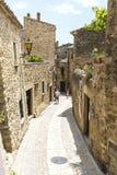 Medeltida gata i Catalonia Royaltyfria Foton