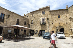 Medeltida gata i Catalonia Arkivfoto