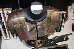Medeltida harnesk för arkmetall plagg av italienska riddare i strid royaltyfri foto