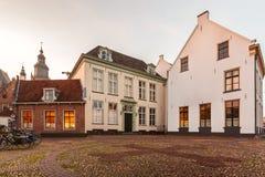 Medeltida hus i den holländska staden av Zutphen Arkivbild