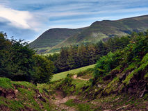 Medeltida huvudväg - svarta berg Wales UK royaltyfri foto
