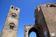 Medeltida katolsk kyrka Chiesa Matrice i Erice. Arkivfoto