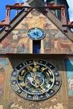 Medeltida klocka av det Ulm stadshuset Arkivfoton