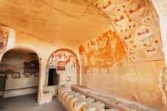 Medeltida konstverk och forntida frescoes av den 6th kloster för århundradeDavid Gareji grotta med bågar, Georgia royaltyfri foto