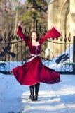 medeltida kvinnabarn för klänning royaltyfri bild