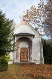 Medeltida kyrka i en elsassisk by Arkivbild