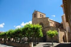 Medeltida kyrka i Ujue, Navarre, Spanien Arkivfoton
