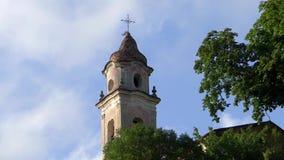 Medeltida kyrka, klockatorn stock video