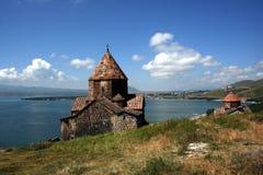 Medeltida kyrka på Sevan laken arkivbilder