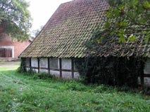 Medeltida lantgårdhus i Tyskland Ankum royaltyfri foto