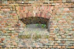 medeltida litet fönster Arkivbild