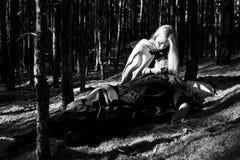 Medeltida man och kvinna Arkivbild