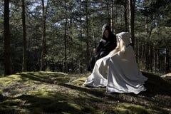 Medeltida man och kvinna Arkivfoton