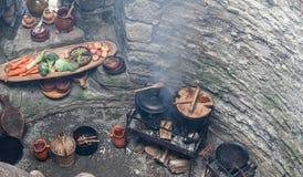 Medeltida matlagning arkivfoto