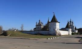 Medeltida ortodox kloster av ärkeängeln Michael Royaltyfri Bild