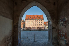 Medeltida port i den gamla staden i Gdansk Royaltyfri Foto
