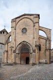 medeltida roman stil för kyrklig fasad arkivbilder