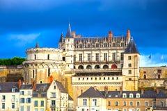 Medeltida slott för Chateaude Amboise, Leonardo Da Vinci gravvalv royaltyfri foto