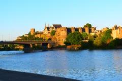 Medeltida slott - Frankrike royaltyfria bilder